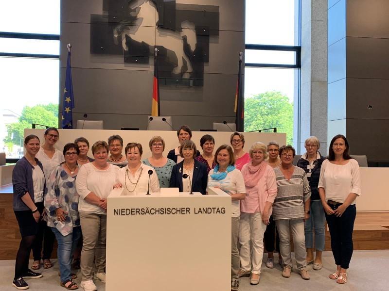 2019_06_07 LandFrauen besuchen Landtag1